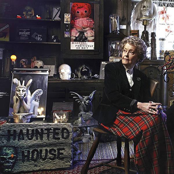Lorraine Warren, a grande inspiração para Invocação do Mal, morre aos 92 anos