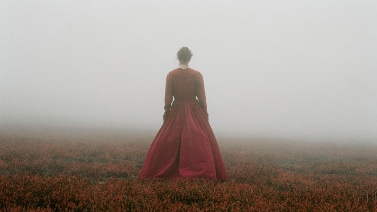 O Morro dos Ventos Uivantes: a narrativa visceral que ultrapassa seu próprio tempo